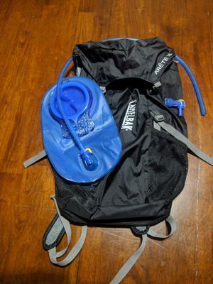 CamelBak Arete 18 Hydration Pack, New 1.5 Liter Bladder & Bite Value for Sale in Seattle, WA
