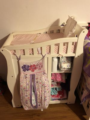 White Diaper Changing Table With Drawers for Sale in Whittier, CA