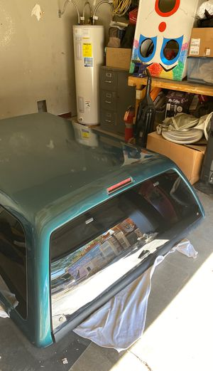 1997 Ford F150 lariat snug top camper shell! for Sale in Las Vegas, NV