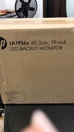 HP 19 inch computer monitor for Sale in Dallas, TX