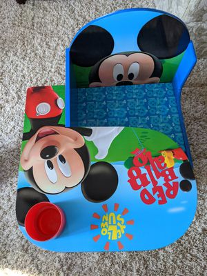 Mickey Mouse toddler desk with drawer and pen holder for Sale in Gurnee, IL