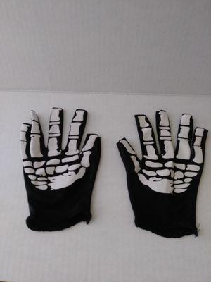 Skeleton Gloves Kids Medium Size 7/ 8 boys / girls for Sale in Humble, TX