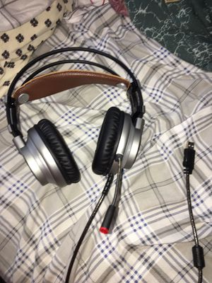 USB cable computer gaming headphones for Sale in Edwardsville, IL