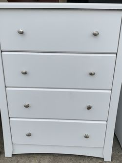 White Solid Dresser for Sale in Dublin,  OH