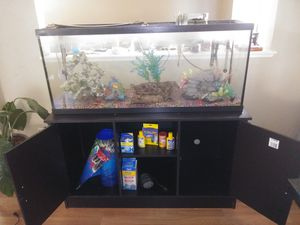 55 gallons fish tank whit stand for Sale in Sacramento, CA