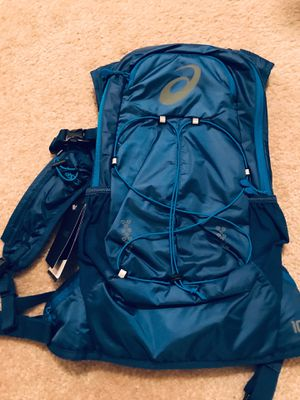 ASICS 10L running backpack for Sale in Pittsburgh, PA