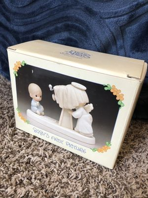 """Precious Moments """"Baby's First picture"""" vintage figurine for Sale in Riverside, CA"""