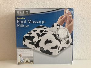Homedics Portable Foot Massage Pillow Cow Print Black and White for Sale in Melbourne, FL