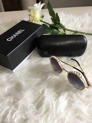 Trendy Designer Sunglasses for Sale in College Park, MD