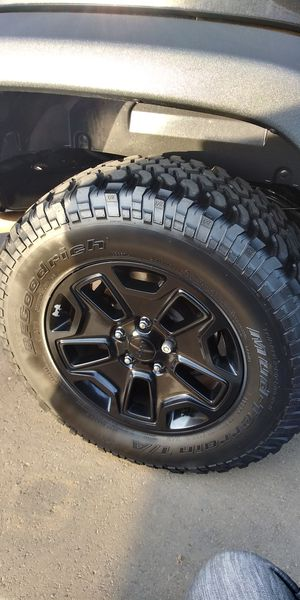 Jeep wheels and tires for Sale in Nashville, TN