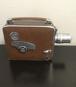 VINTAGE KEYSTONE OLYMPIC K-32 8MM ROLL FILM MOVIE CAMERA W/WIDE ANGLE 7 MM LENS for Sale in Brooklyn, NY