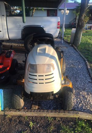 Riding lawn mower club cadet 20 hp for Sale in Waxahachie, TX