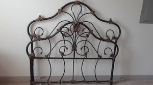 Queen bed head and footboard. Bed frame included. for Sale in Franklin, TN