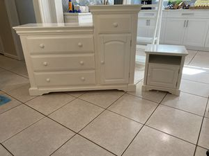 White changing table and nightstand for Sale in North Palm Beach, FL