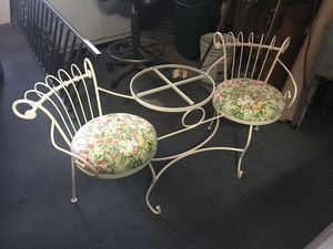 Antique, wrought iron, double seat with center glass top. for Sale in Tujunga, CA