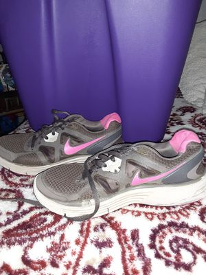 Women Nike shoes size 7. $20 for Sale in San Diego, CA