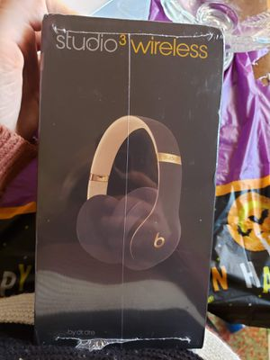 Beats studio 3 wireless Bluetooth headset. Black and gold special edition for Sale in Great Falls, VA