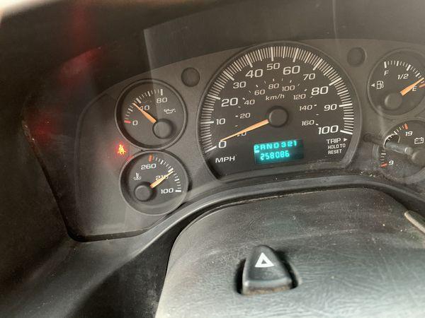 2005 Chevy express Van 3500 runs and drives has high miles