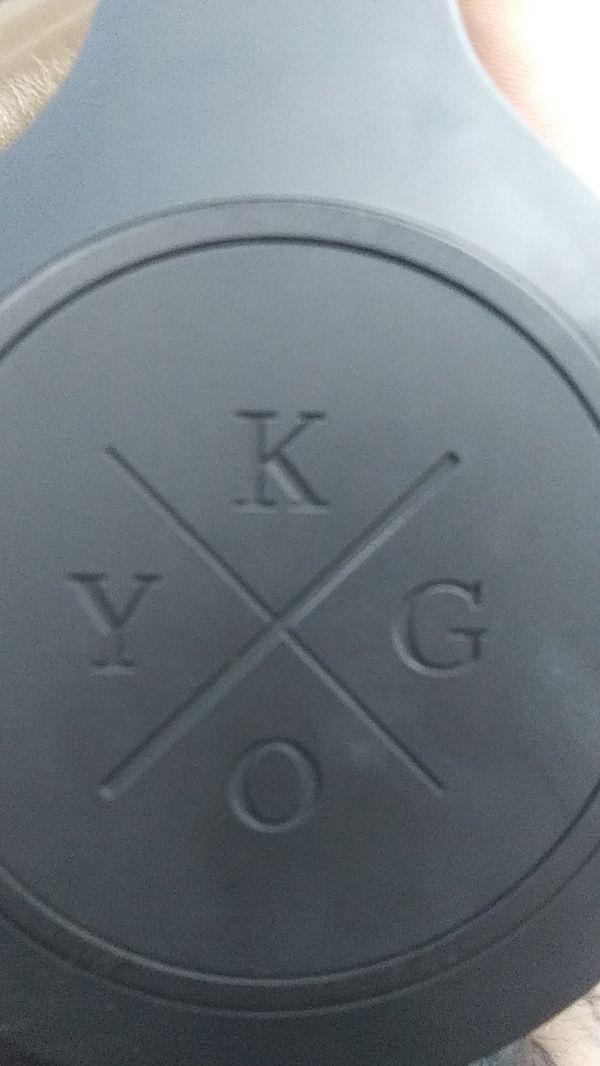 Kygo Life AS Bluetooth headphones