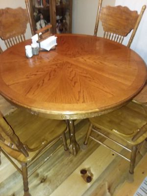 Oak table with leaf and 4 chairs $150 for Sale in Redmond, OR