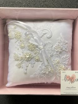 Ring Pillow for Sale in Doral,  FL