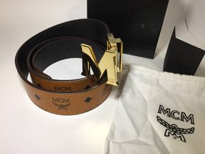 MCM Authentic Reversible Brown/Black Leather Belt for Sale in Queens, NY