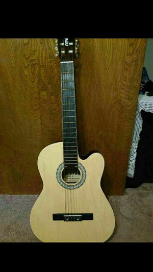 Fever acoustic guitar.... like new!! $100 OR BEST OFFER for Sale in Long Beach, CA