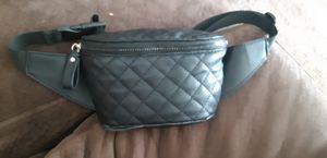 Black matte fanny pack for Sale in Clovis, CA
