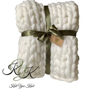 Chunky Knit Blankets - 100% Merino Wool for Sale in Snohomish, WA