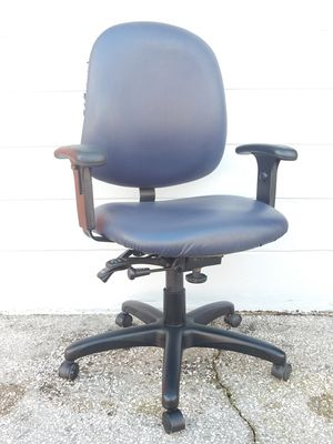 Blue high back office chair with several adjustments for Sale in Bartow, FL