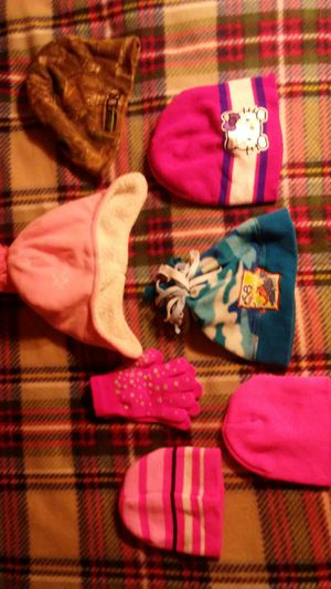 Kids hats and gloves for Sale in Obetz, OH