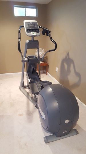 Excellent Condition Precor EFX 546i Elliptical for Sale in Sterling, VA