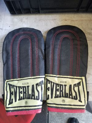 Speed bag boxing gloves for Sale in San Diego, CA