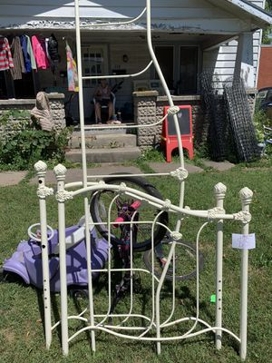 Twin day bed for Sale in Richwood, OH