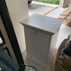 White hamper. 28.75 H x 18 W x 14 D inches for Sale in Miami, FL
