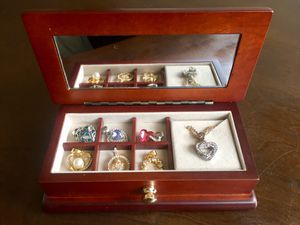 JEWELRY BOX & 7 PENDANTS W/ 2 CHAINS for Sale in Fresno, CA
