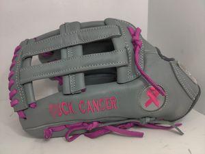 Baseball gloves softball Gloves for Sale in Los Angeles, CA