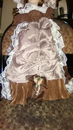 Antique doll for Sale in Columbus, OH