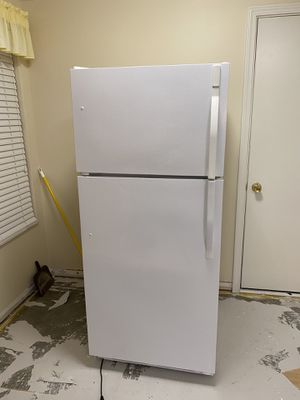 Kenmore Appliances (Stove/Oven, Microwave, Dishwasher, Fridge) for Sale in Middleburg Heights, OH
