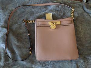 Michael Kors Hamilton MD Messenger Bag for Sale in La Habra Heights, CA