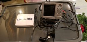 Lowrance lms 522 color fish finder GPS. Includes wires and suction transom mount. Great for Jon boats and rentals. for Sale in Gambrills, MD