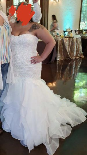 Wedding dress 18w NEVER altered for Sale in Grand Prairie, TX
