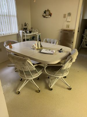 Kitchen table w/4 chairs for Sale in Sarasota, FL