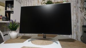 "32"" 1440P 75HZ LG IPS White Gaming Computer Monitor HDMI for Sale in Santa Fe Springs, CA"