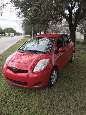 Toyota yaris 2008 for Sale in Miami, FL