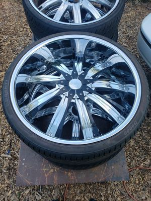 Chrome 24s with 255-30-24 tires( like new) $500 for Sale in Mukilteo, WA