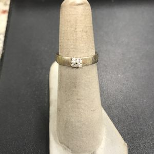 14k Gold CZ Ring Band 2.44 Grams Size 6 (GS) for Sale in Los Angeles, CA