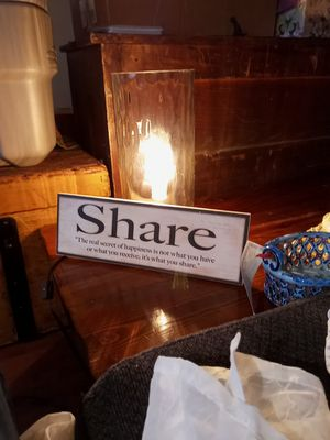 Share sign for Sale in New Franklin, OH