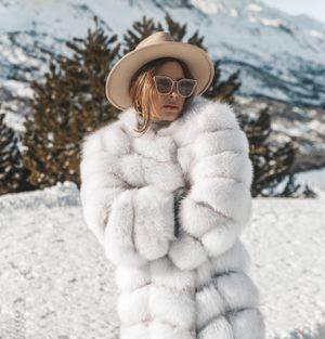Aria moda fox fur coat for Sale in Jersey City, NJ