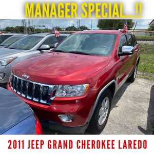 2011 Jeep Grand Cherokee Laredo (3 months or 3000 miles Warranty) for Sale in Orlando, FL